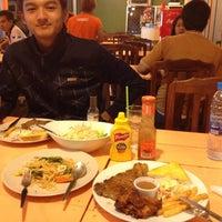 รูปภาพถ่ายที่ Siam de' grill โดย Miss.opal A. เมื่อ 4/6/2012