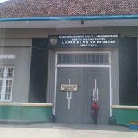 Photo taken at LAPAS PEMUDA TANGERANG LAMA by Usee L. on 10/27/2011