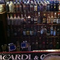 Foto tomada en Goodfellas Sports Bar por Shane T. el 2/21/2012