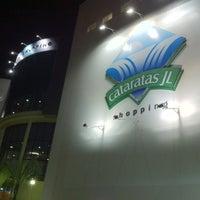 Photo taken at Cataratas JL Shopping by Campos R. on 4/26/2012