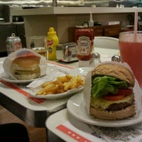 Photo taken at Achapa Hamburger by Luciano S. on 9/25/2011