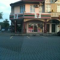 Photo taken at 7 Eleven Seksyen 24 by fazilah on 8/1/2011