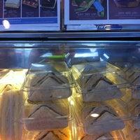 Photo taken at Caffè D´Oro (คาเฟ ดิโอโร่) by Tippy P. on 12/15/2011