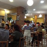 Foto tirada no(a) Contemporâneo Restaurante e Cafeteria por Adhara F. em 3/18/2012