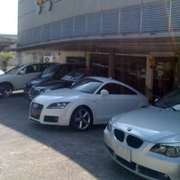 Photo taken at Vibrant Auto by Deon Y. on 4/11/2011