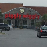 Photo taken at Piggly Wiggly by Lee G. on 8/2/2012