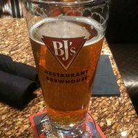 Photo taken at BJ's Restaurant and Brewhouse by Marcus on 1/14/2011
