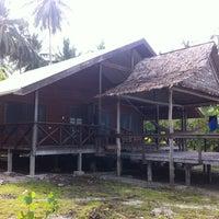 Photo taken at Uepi Island Resort by Walter B. on 4/15/2011
