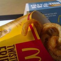 Photo taken at McDonald's by Ken Wk K. on 12/15/2011