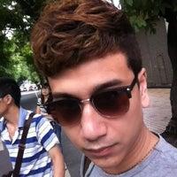 Foto diambil di 湾畔 2ND AVENUE oleh Bin T. pada 5/21/2012