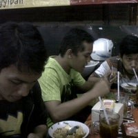 Photo taken at Mie Ayam KQ5 by Rahmad Dian S. on 11/21/2011
