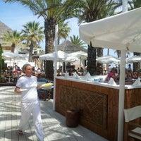Foto scattata a Nikki Beach Marbella da Wim P. il 5/13/2012