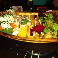 Foto tirada no(a) DJOY Japanese Food por Alan C. em 12/17/2011