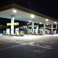 Photo taken at Shell พัทยาใต้ by Jom M. on 2/27/2012