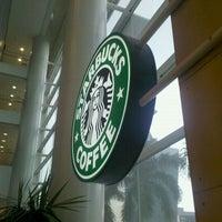 Photo taken at Starbucks by Ricardo U. on 3/27/2011