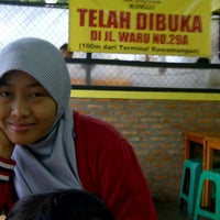 Photo taken at Bebek Goreng Kremes Monggo by Yandra Sepviandra M. on 12/2/2011