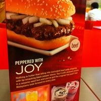 Photo taken at McDonald's & McCafé by Shin Li O. on 12/27/2010