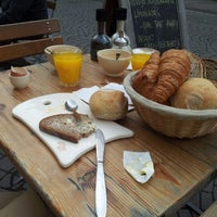 Photo taken at Le Pain Quotidien by Jelle on 5/24/2012