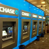 Photo taken at Chase Bank by 0zzzy on 7/4/2011