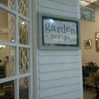 Photo taken at Garden Recipe Aeon Bandaraya Bersejarah by Farahdiana on 10/25/2011