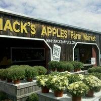Photo taken at Mack's Apples by WayneNH on 9/11/2011