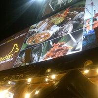 Photo taken at Restoran Sekinchan Ikan Bakar by Jeremy Y. on 4/4/2011