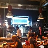 Foto tirada no(a) Restaurante LA BULLA por Adolfo L. em 8/10/2012