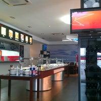 Foto tomada en Restaurante Xikelai Wok por Alberto M. el 7/20/2012