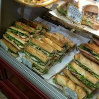 Foto tomada en St. Honoré Boulangerie por Matthew G. el 5/6/2012