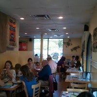 Photo taken at Bagelheads by Ricky on 7/2/2011