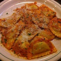 Photo taken at Carrabba's Italian Grill by Rollergal V. on 5/31/2012