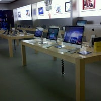 Photo taken at Apple Brandon by George K. on 9/1/2011