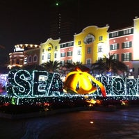 Photo taken at Sea World by Noolek E. on 12/2/2011