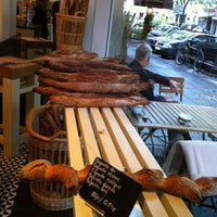 Das Foto wurde bei épi boulangerie patisserie von Christine am 8/22/2011 aufgenommen