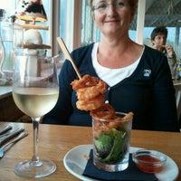 Photo taken at Strandhotel en Restaurant Noordzee by Pieter H. on 9/21/2011