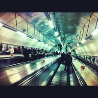 Photo prise au O2 Shop London - Holborn par Irwin R. le2/26/2012