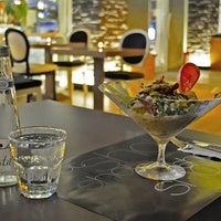 11/15/2011 tarihinde Gökhan A.ziyaretçi tarafından Shot Bistro Lounge & Bar'de çekilen fotoğraf