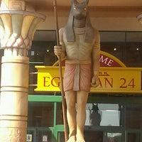 Photo prise au Cinemark Egyptian 24 par Mel G. le5/28/2012