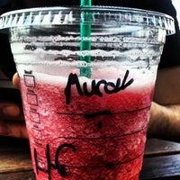 4/15/2012 tarihinde Murat T.ziyaretçi tarafından Starbucks'de çekilen fotoğraf