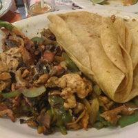 Foto tomada en Bertico Café por Karla M. el 4/15/2012