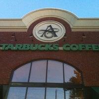 Photo taken at Starbucks by Justen E. on 9/18/2011