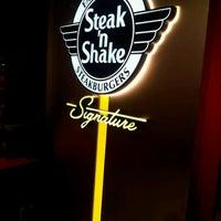 1/22/2012にCurtis A.がSteak 'n Shakeで撮った写真