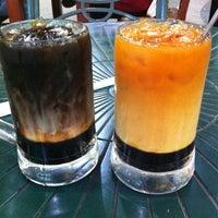 Photo taken at Restoran Original Penang Kayu Nasi Kandar by Aiza Z. on 8/30/2012