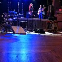 Foto scattata a Wonder Ballroom da Mindy H. il 12/16/2011