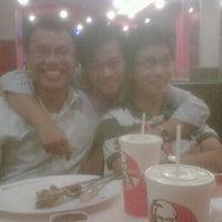 Photo taken at KFC by Hung P. on 5/4/2012