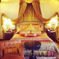 8/16/2012 tarihinde Aga M.ziyaretçi tarafından Rambagh Palace Hotel'de çekilen fotoğraf