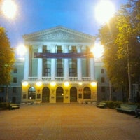 Das Foto wurde bei БНТУ 1-й Корпус von Victor K. am 5/8/2012 aufgenommen