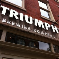 Photo prise au Triumph Brewing Company par Steven Z. le6/1/2012