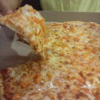 Foto tomada en Telepizza por Lucheein A. el 3/27/2012