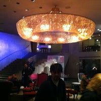 Photo taken at Paramount Hotel by Alex B. on 5/11/2012
